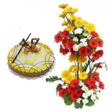 1/2 kg fruit cake with 2 tier flowers