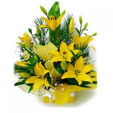 5 yellow lilies arrangement