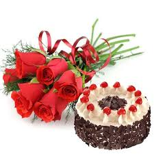 6 red roses with 1/2 kg black forest cake